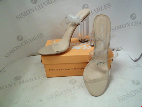 Lot 39 BOXED PAIR OF DESIGNER PUBLIC DESIRE HEELS - UK SIZE 6