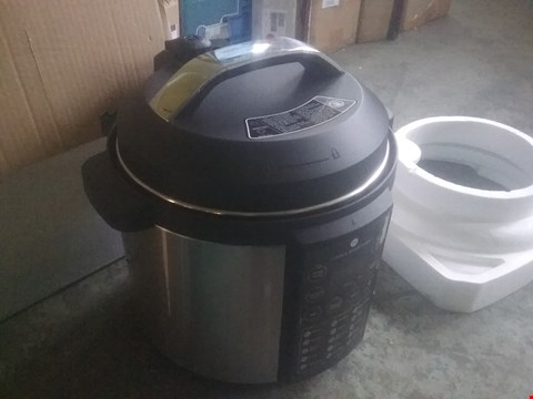 Lot 2346 COOK'S ESSENTIALS 6L PRESSURE COOKER