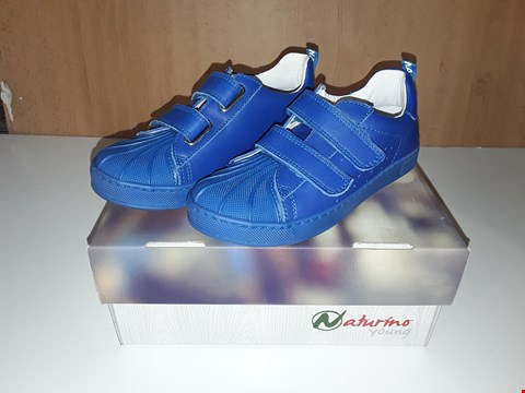Lot 12646 BOXED NATURINO YOUNG BLUE LEATHER VELCRO STRAP TRAINERS UK SIZE 11 JUNIOR