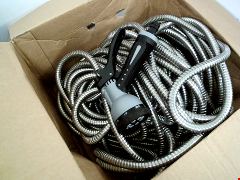 Lot 416 STAINLESS STEEL HOSE PIPE 100ft WITH SPRAYHEAD