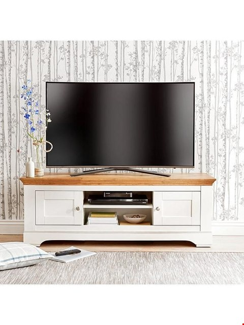 Lot 99 BOXED IDEAL HOME WILTSHIRE CREAM AND OAK EFFECT 2 DOOR TV UNIT (1 BOX) RRP £359.00