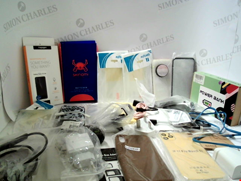 Lot 3068 LOT OF APPROXIMATELY 55 ASSORTED ITEMS TO INCLUDE PHONE CASES, CABLES, SCREEN PROTECTORS ETC
