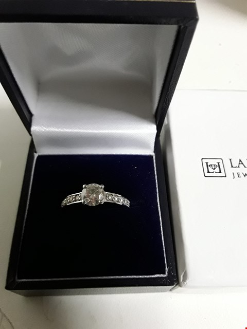 Lot 161 LADY LYNSEY 9CT GOLD 1 CARAT ROUND BRILLIANT SOLITAIRE WHITE GOLD RING RRP £529