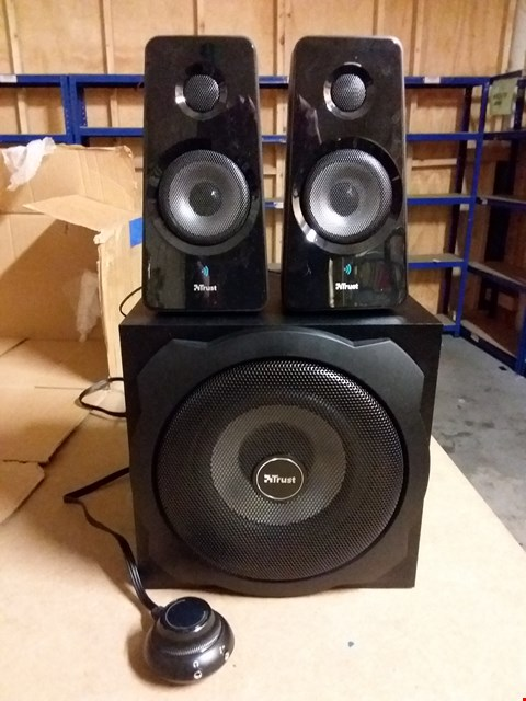 Lot 944 TRUST WIRELESS 2.1 SPEAKER SET