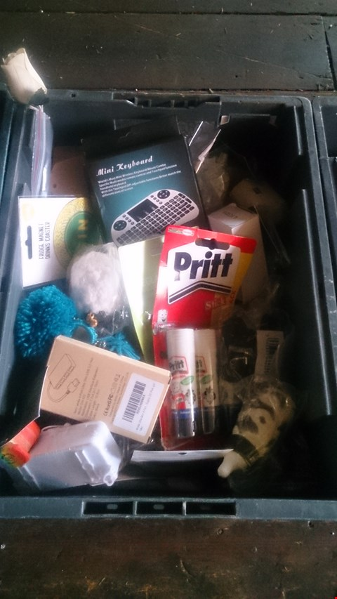 Lot 5604 BOX OF ASSORTED ITEMS TO INCLUDE MINI KEYBOARD, PRITT STICKS AND EYE GLASS REPAIR KIT ETC