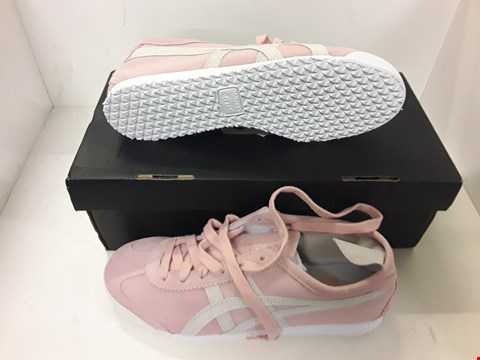 Lot 4111 PAIR OF DESIGNER PINK TRAINERS IN THE STYLE OF ONITSUKA TIGER SIZE UK 4