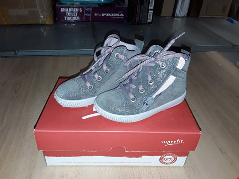 Lot 12356 BOXED SUPERFIT MOPPY GLITTERY GREY LACE/ZIP UP SHOES UK SIZE 7 JUNIOR