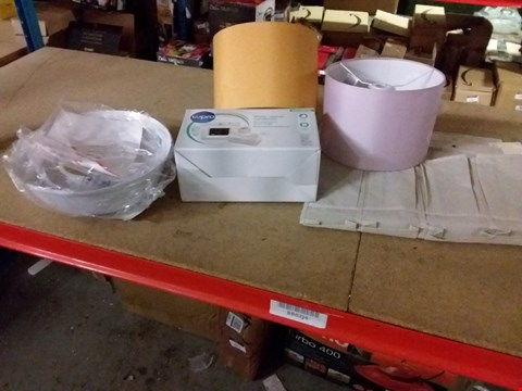 Lot 11676 A LOT OF 5 ASSORTED ITEMS TO INCLUDE LAMP SHADES, WATER VAPOUR CONDENSER ANF OVER THE DOOR STORAGE ETC