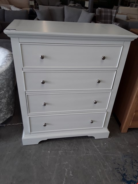 Lot 89 DESIGNER WHITE FINISH 4 DRAWER CHEST