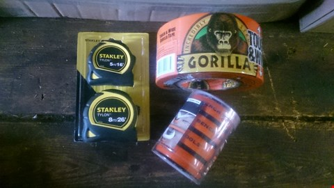 Lot 5591 BOX OF D.I.Y ITEMS TO INCLUDE GORILLA TAPE, STANLEY TAPE MEASURES AND BENCH COOKIE WORK GRIPPERS ETC