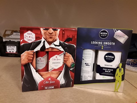 Lot 2063 LOT OF 2 ITEMS TO INCLUDE OLD SPICE THE LEGEND GIFT SET AND NIVEA MEN LOOKING SMOOTH SHAVE KIT