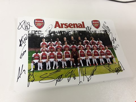 Lot 32 LOT OF APPROXIMATELY 13 SIGNED ARSENAL FC 2018/19 TEAM PHOTOS