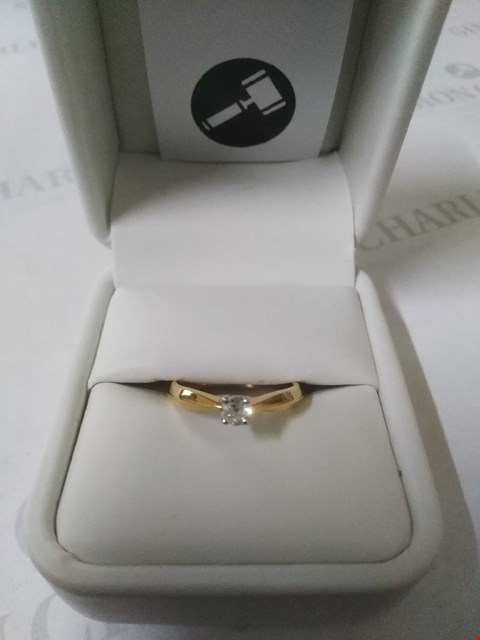 Lot 21 18CT GOLD DIAMOND SET RING RRP £795.00