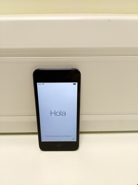Lot 327 UNBOXED APPLE IPOD TOUCH 5 32GB, BLACK