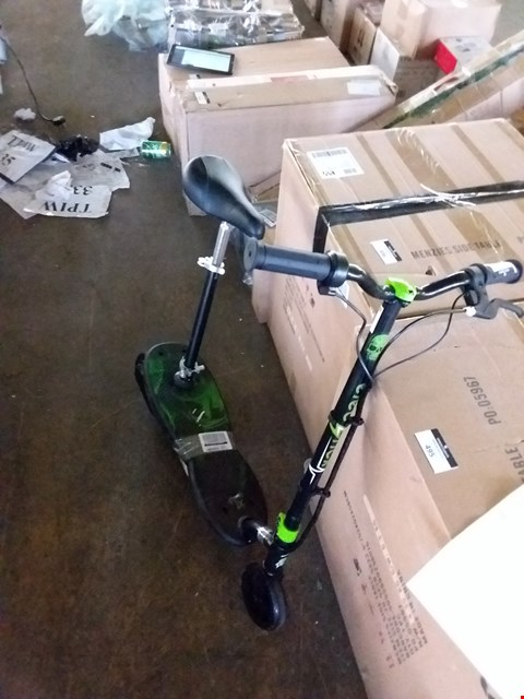 Lot 7290 BRAND NEW ELECTRICK XT CRUISER SCOOTER WITH SEAT RRP £182