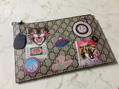 Lot 610 GUCCI STYLE POUCH