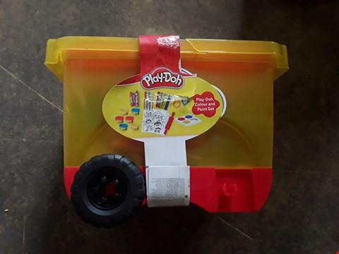 Lot 7273 PLAY DOH PULL ALONG CADDY