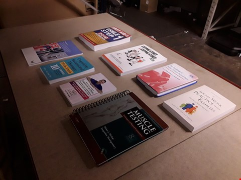Lot 476 LOT OF APPROXIMATELY 8 ASSORTED BOOKS TO INCLUDE COGNITIVE BEHAVIOURAL THERAPY MADE SIMPLE NY SETH J. GILLIHAN, SOCIAL WORK PRACTICE WITH FAMILIES BY MARY PATRICIA VAN HOOK ETC
