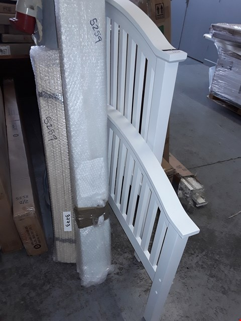 Lot 5259 WHITE WOODEN 90CM BED FRAME (HEADBOARD, FOOT BOARD, SIDERAILS AND SLATS/4 PIECES)