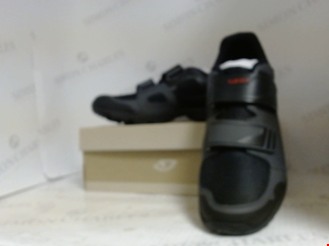 Lot 16019 BOXED PAIR OF DESIGNER GIRO CYCLING SHOES - UK SIZE 10