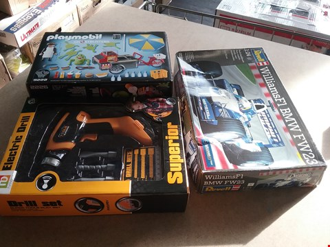 Lot 9063 A CHILD'S DRILL SET SUPER TOOLS PLAY SET, A REVELL WILLIAMS F1 BMW FW23 SCALE 1:24 AND A GHOSTBUSTERS PLAYMOBIL