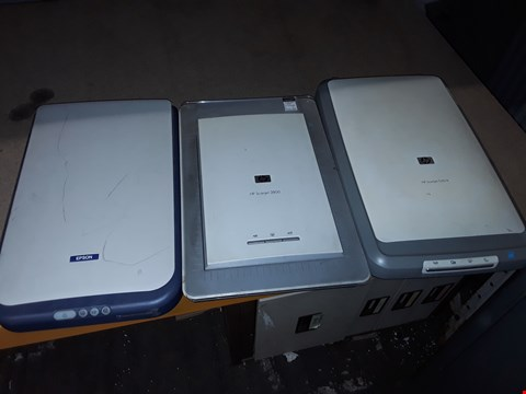 Lot 176 LOT OF 3 ASSORTED UNBOXED SCANNERS TO INCLUDE EPSON PERFECTION 1250 AND HP SCANJET 3800
