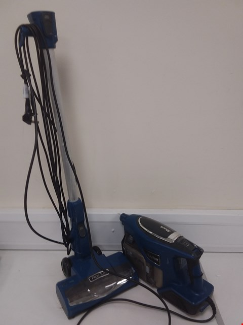 Lot 667 SHARK ROCKET DUO CLEAN CORDLESS VACUUM - HV330UK