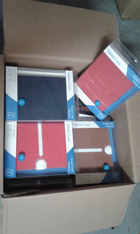 Lot 11520 BOX OF APPROXIMATELY 35 PROTECTIVE TABLET CASES