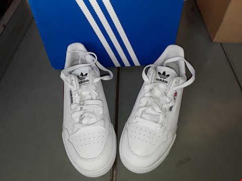 Lot 7033 ADIDAS CONTINENTAL 80 WHITE TRAINERS SIZE 7 UK