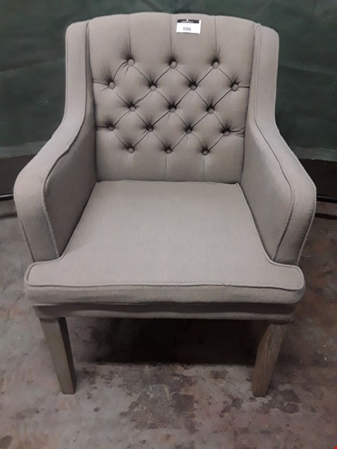 Lot 186 DESIGNER GREY BUTTONED FABRIC UPHOLSTERED CARVER CHAIR ON LIMED OAK SUPPORTS