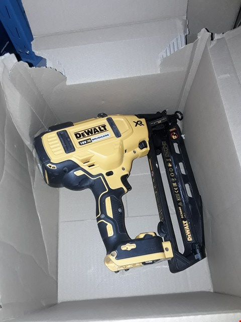 Lot 556 DEWALT DCN660N-XJ BRUSHLESS FRAMING NAILER BARE UNIT, 200 W, 18 V