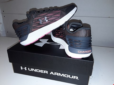 Lot 5736 BRAND NEW BOXED UNDER ARMOUR CHARGED ROGUE IN PINK &WHITE SIZE UK 7.5