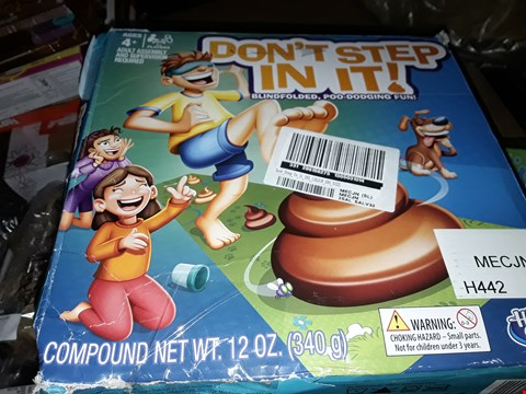Lot 4069 2X BOXED DONT STEP IN IT GAMES RRP £25.99