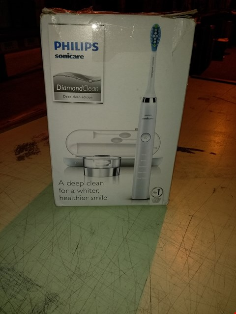 Lot 6625 PHILIPS SONICARE DIAMOND CLEAN DEEP CLEAN EDITION TOOTHBRUSH