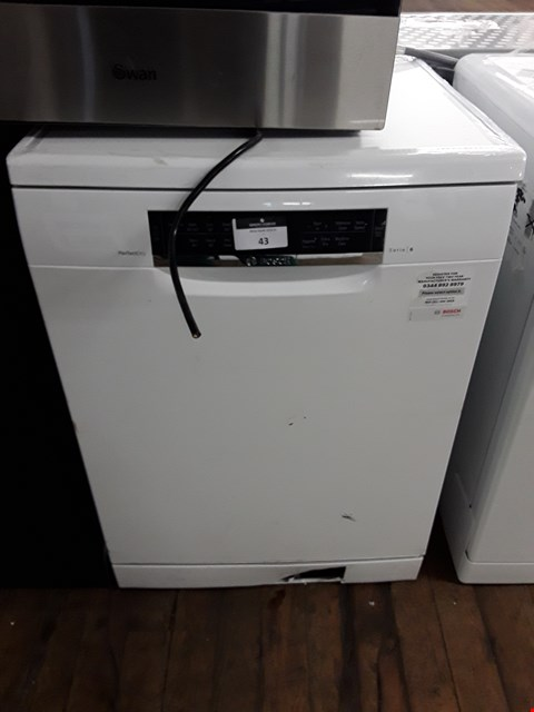 Lot 43 BOSCH SERIE 6 PERFECT DRY FULL SIZE DISHWASHER