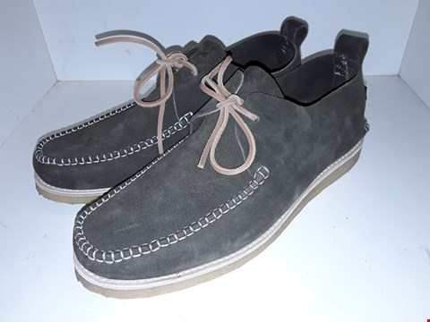 Lot 1006 A PAIR OF LAWSON SUEDE LACE UP MOCCASINS UK SIZE 10
