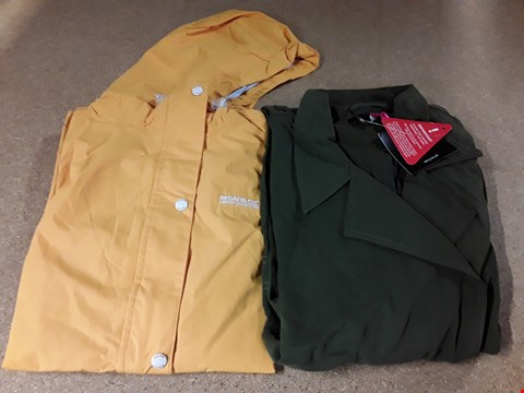 Lot 304 LOT OF APPROXIMATELY 10 ASSORTED DESIGNER CLOTHING ITEMS TO INCLUDE KHAKI LONG DUSTER COAT AND REGATTA BAYLEIGH YELLOW WATERPROOF JACKET