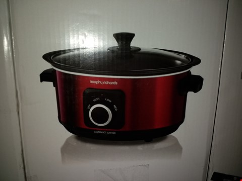 Lot 437 MORPHY RICHARDS SEAR AND STEW 3.5L SLOW COOKER IN RED