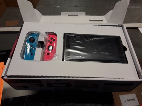 Lot 66 NINTENDO SWITCH CONSOLE WITH CONTROLLERS & MINECRAFT GAME RRP £420.00