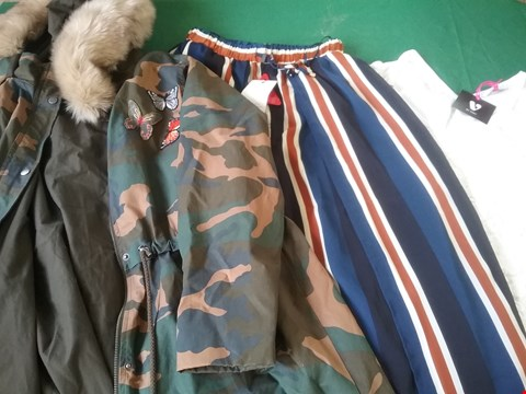 Lot 15 LOT OF 13 ITEMS OF CLOTHING TO INCLUDE LONG ARMY SWING PARKA AND LACE SHIFT DRESS  RRP £723.00