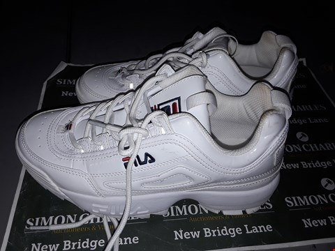 Lot 9027 FILA DESIGNER TRAINERS IN WHITE UK SIZE 6