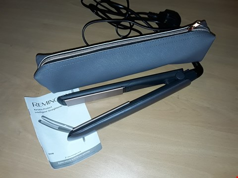 Lot 584 REMINGTON KERATIN PROTECT INTELLIGENT CERAMIC HAIR STRAIGHTENER