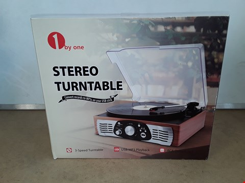 Lot 6074 3 SPEED STEREO TURNTABLE  WITH USB MP3 PLAYBACK AND RCA OUTPUT JACK