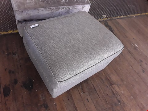 Lot 2027 QUALITY BRITISH DESIGNER GREY WEAVE FABRIC FOOTSTOOL