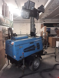 Lot 1 MOBILE LIGHTING TOWER ( HYDRAULIC WINCH )
