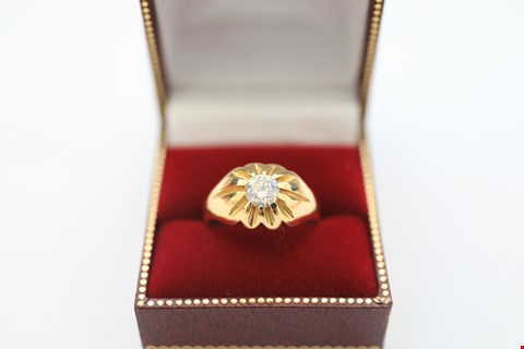 Lot 4 18CT GOLD GENTS RING SET WITH A DIAMOND WEIGHING +-0.90CT