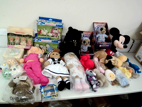 Lot 8081 BOX OF APPROXIMATELY 25 ASSORTED CUDDLY TOYS TO INCLUDE MICKY MOUSE, BLACK VAMPIRE BAT CAT AND ASSORTED SYLVANIAN FAMILIES SETS