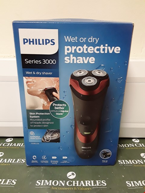 Lot 4534 BOXED PHILIPS SERIES 3000 WET/DRY SHAVER