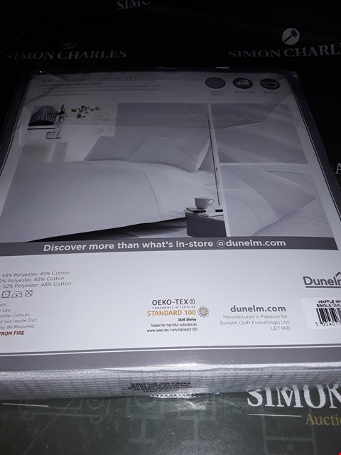 Lot 5272 WHITE DUVET COVER SET  SINGLE