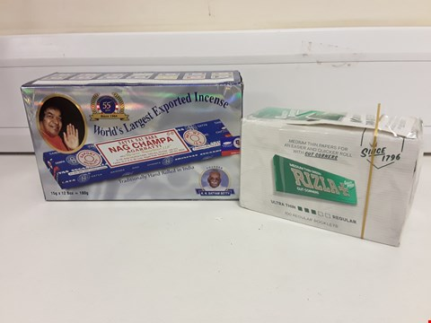 Lot 421 TWO PACKS OF HAND ROLLING PAPERS